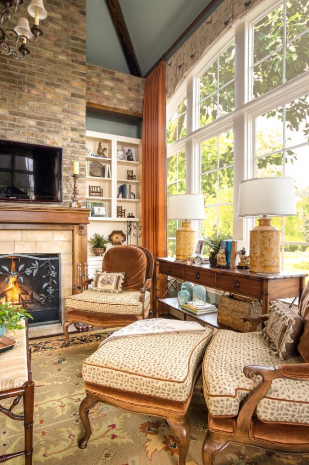 Beautiful interior design in Nashville, TN, by interior designers at Eric Ross Interiors.