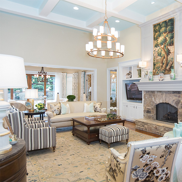 Interior design from a top interior designer in Nashville, TN, a living room from Eric Ross Interiors portfolio.