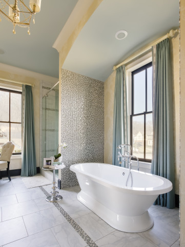 A wide master tub and interior design by Eric Ross Interiors, interior designers in Nashville, TN.