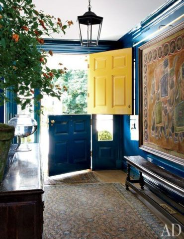 Miles Redd in AD, interior designer in Nashville, TN discusses decorating and painting interior doors.
