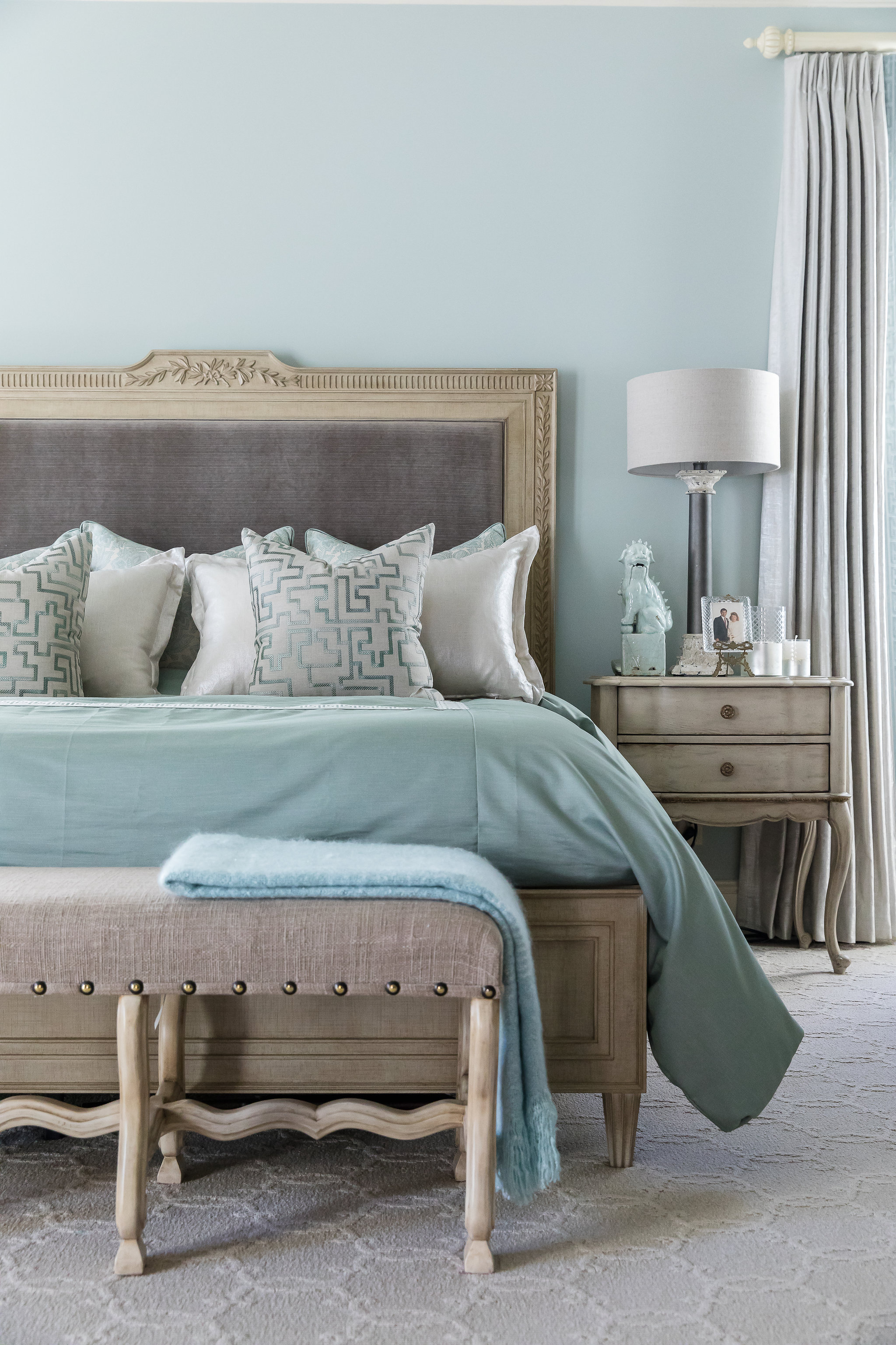 King size master bed and interior design in Nashville, TN by Eric Ross Interiors, call today to schedule with our interior designers.